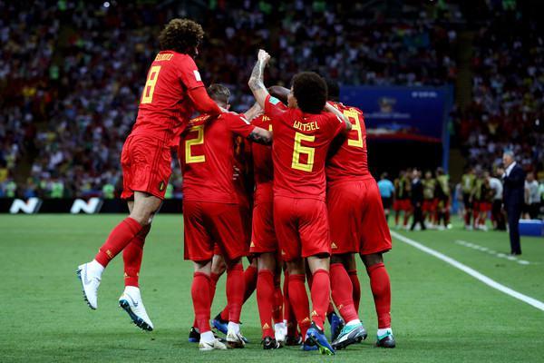 I giocatori del Belgio esultano dopo il gol al Brasile (ph. zimbio)