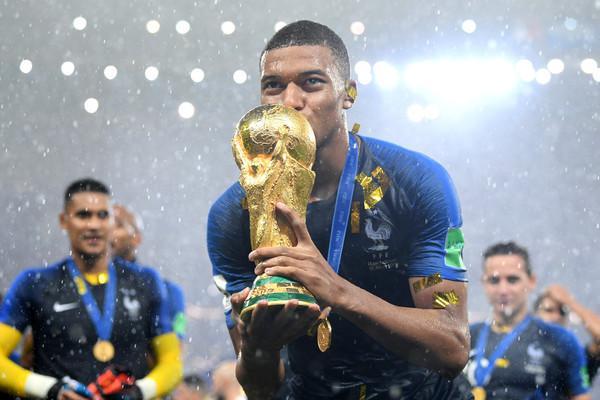 Kylian Mbappé, 4 gol al Mondiale, è il nuovo fenomeno francese (ph zimbio)