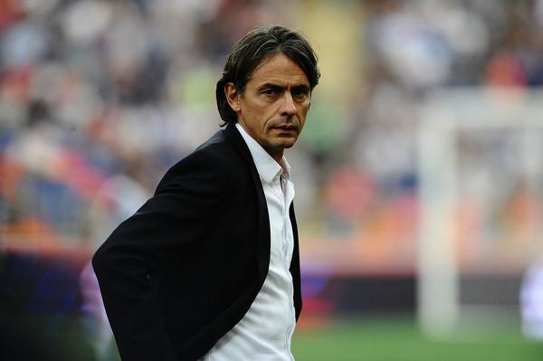 Filippo Inzaghi in panchina (ph. zimbio)