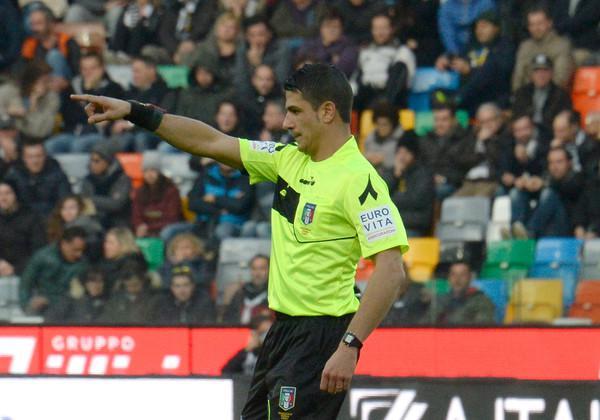 Gianluca Manganiello arbitro di Genoa-Spezia (ph. zimbio)
