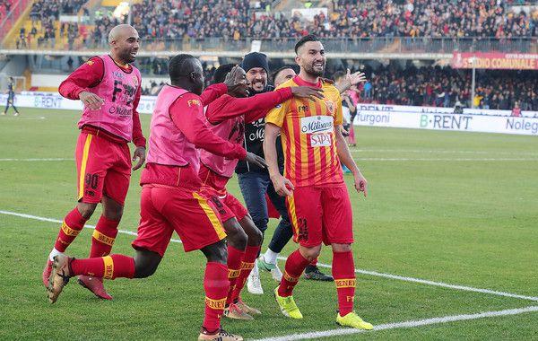Massimo Coda in gol nella semifinale playoff (ph.zimbio)