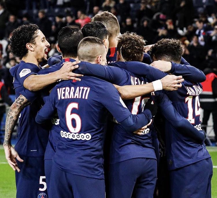 I giocatori del Psg festeggiano la vittoria (Profilo social Paris Saint Germain)