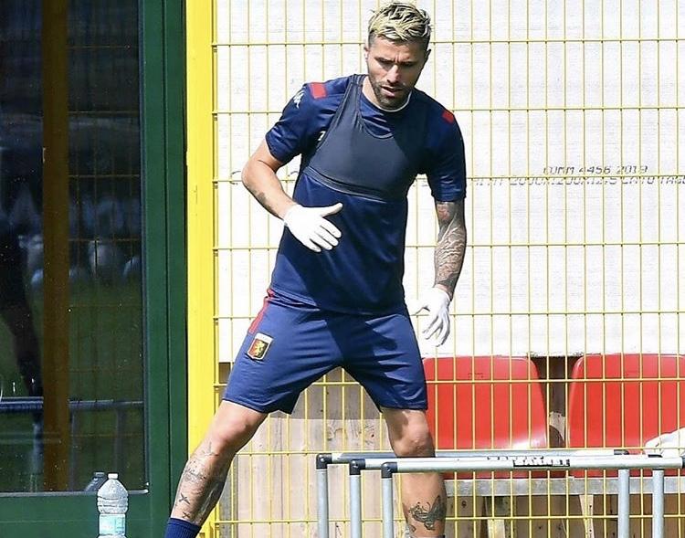Valon Behrami, centrocampista del Genoa (Profilo social club)