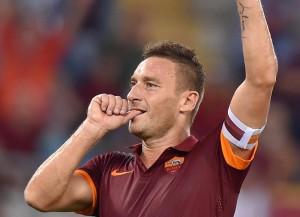 Calcio: Totti, una vita in giallorosso / Speciale