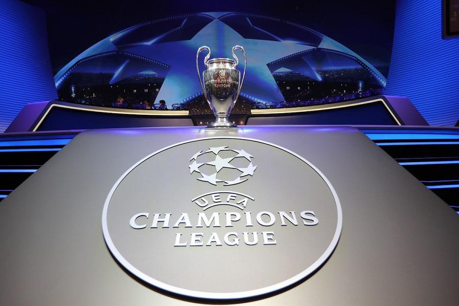 TOPSHOT - The Champions League Trophy stands on display during the UEFA Champions League football group stage draw ceremony in Monaco on August 24, 2017.  / AFP PHOTO / VALERY HACHE        (Photo credit should read VALERY HACHE/AFP/Getty Images)